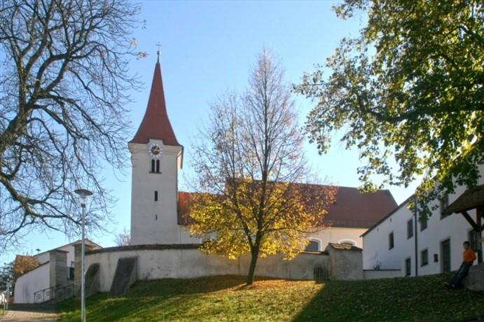Kirche Böhmfeld